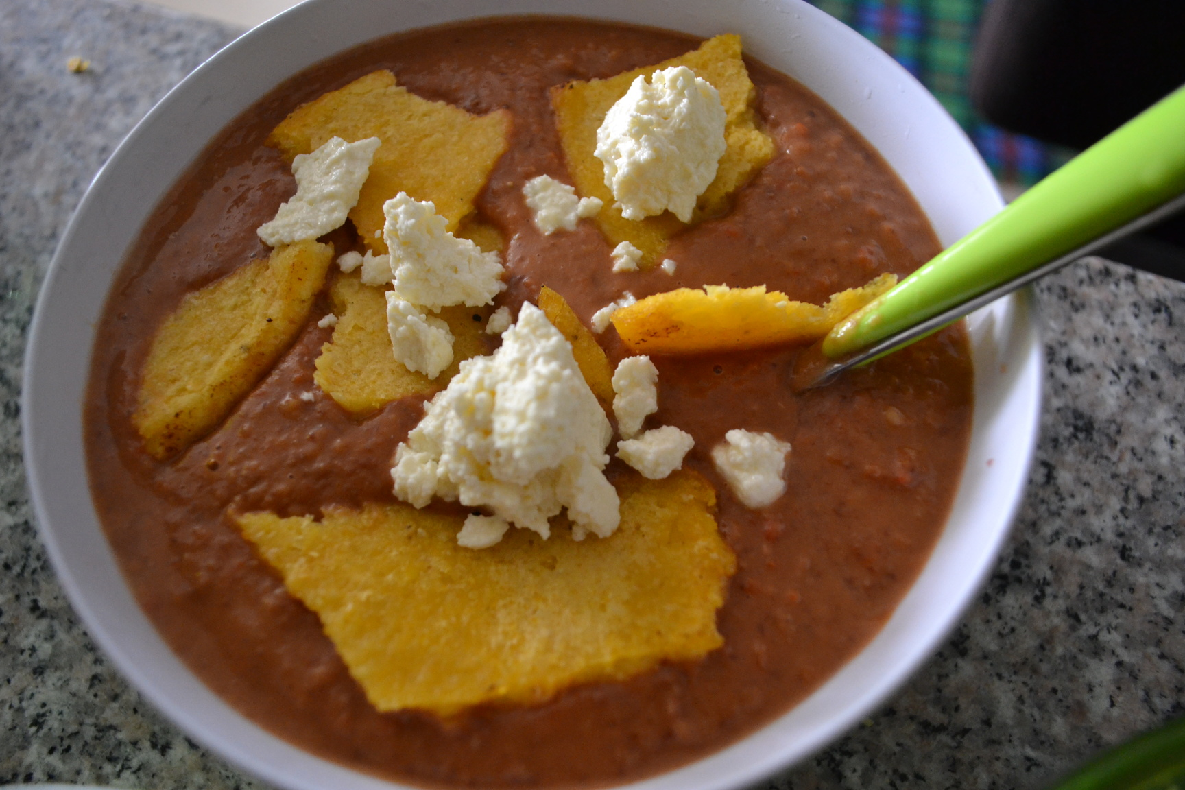 Kolumbijska zupa z czerwonej fasoli